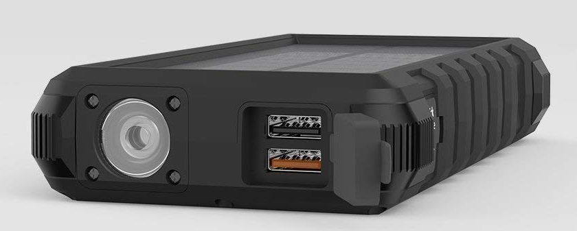 A flashlight is imbedded within the exterior of the RAVPower 25,000mAh